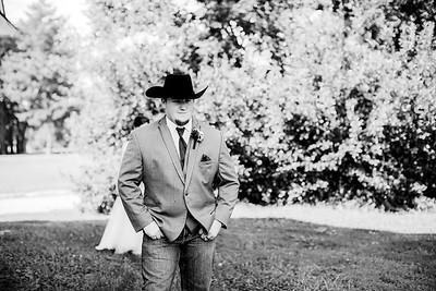 00261-©ADHPhotography2019--ColeLaurenJacobson--Wedding--September7bw