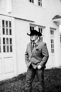 00201-©ADHPhotography2019--ColeLaurenJacobson--Wedding--September7bw