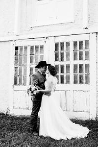 00684-©ADHPhotography2019--ColeLaurenJacobson--Wedding--September7bw