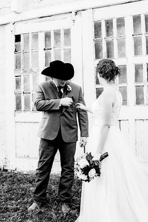00679-©ADHPhotography2019--ColeLaurenJacobson--Wedding--September7bw