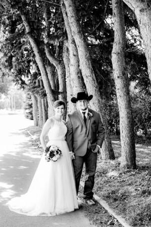 00781-©ADHPhotography2019--ColeLaurenJacobson--Wedding--September7bw