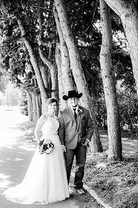 00779-©ADHPhotography2019--ColeLaurenJacobson--Wedding--September7bw