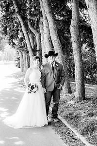 00774-©ADHPhotography2019--ColeLaurenJacobson--Wedding--September7bw