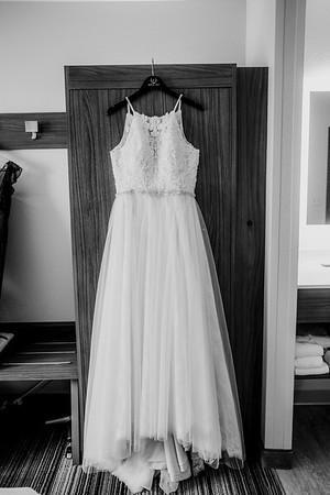 00042-©ADHPhotography2019--ColeLaurenJacobson--Wedding--September7bw