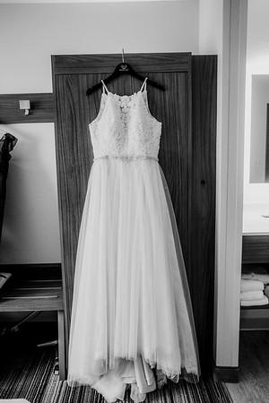 00041-©ADHPhotography2019--ColeLaurenJacobson--Wedding--September7bw