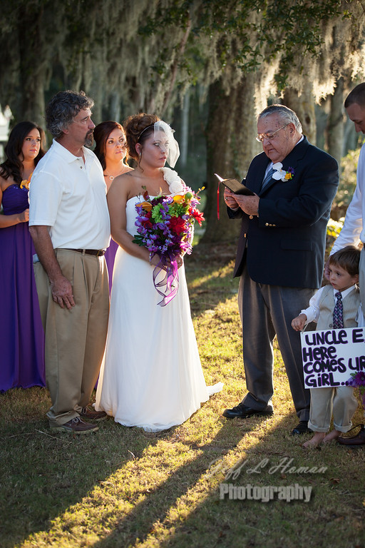 IMAGE: http://www.jefflhoman.com/Weddings/Corey/i-BCLgKrp/0/XL/IMG8050-XL.jpg