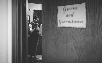 Yelm_Wedding_Photographers_0039_Couch_ds8_9055-2