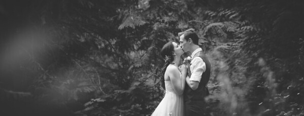 Yelm_Wedding_Photographers_0163_Couch_ds8_9217-2