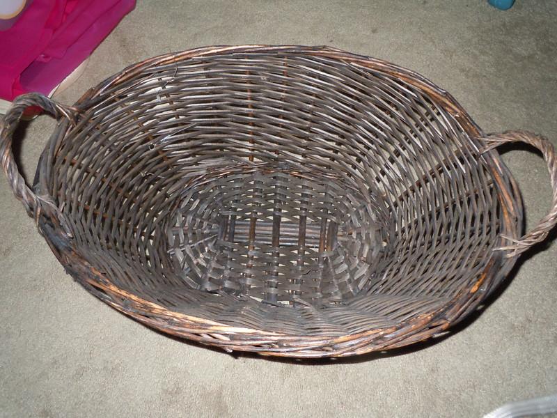 Rustic aged brown basket, $5