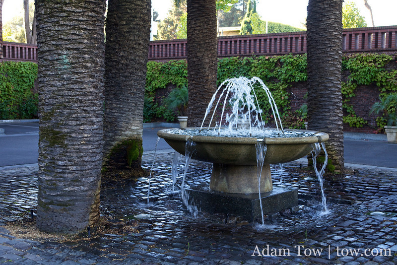 The fountain outside the Stanford Park Hotel entrance.
