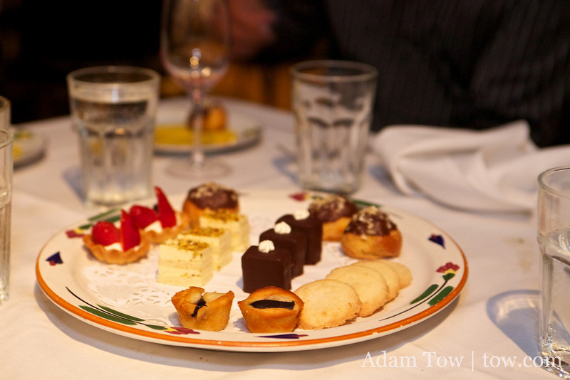 The dessert tray.