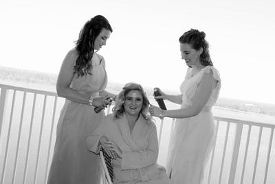BRIDE AND GIRLS GETTING READY  (50)
