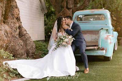 Bride & Groom 115