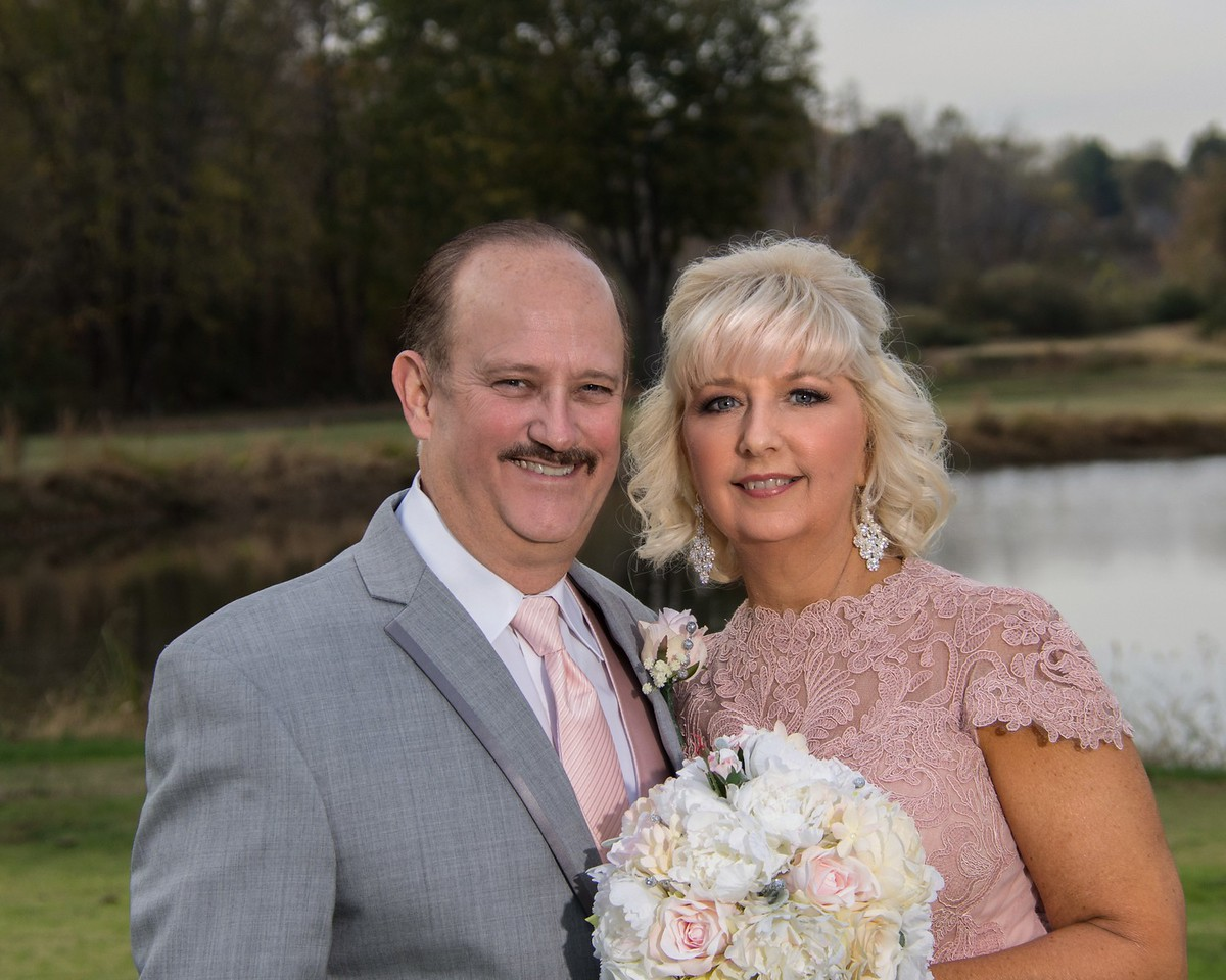 Debra And Dans Wedding Photography At Quail Crossing Golf Course Evansville Photographer