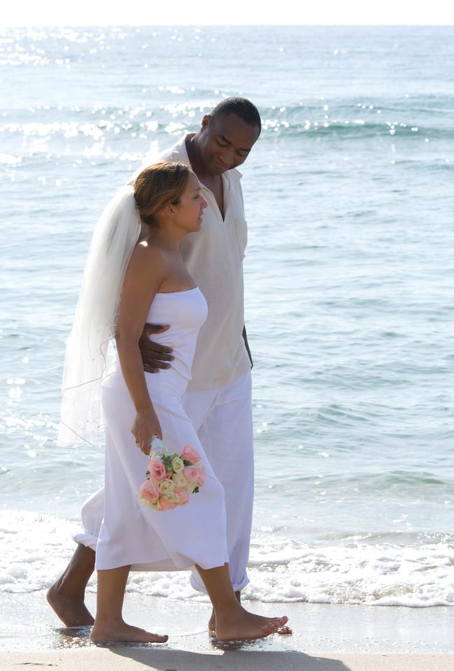 Desi & Thomas Beach 21