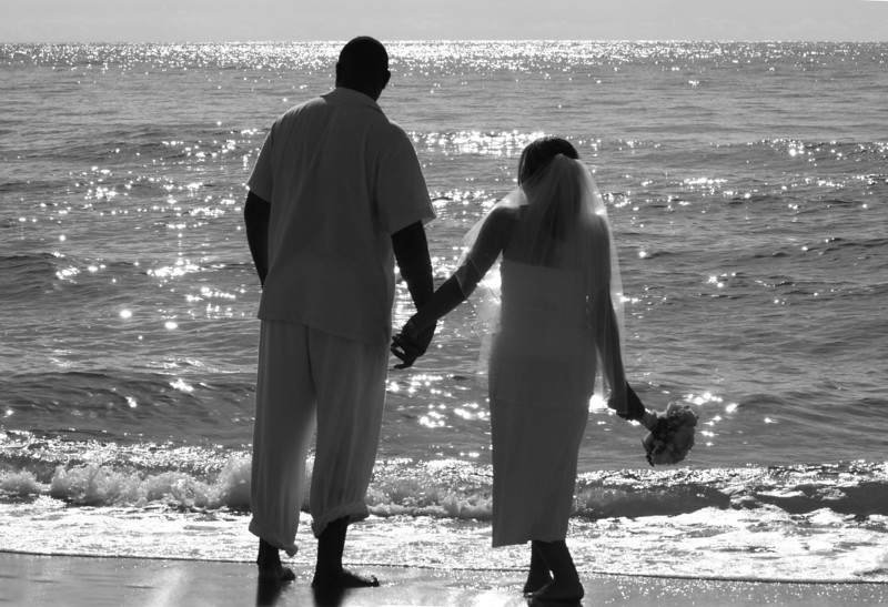 Desi & Thomas Beach 28_BW