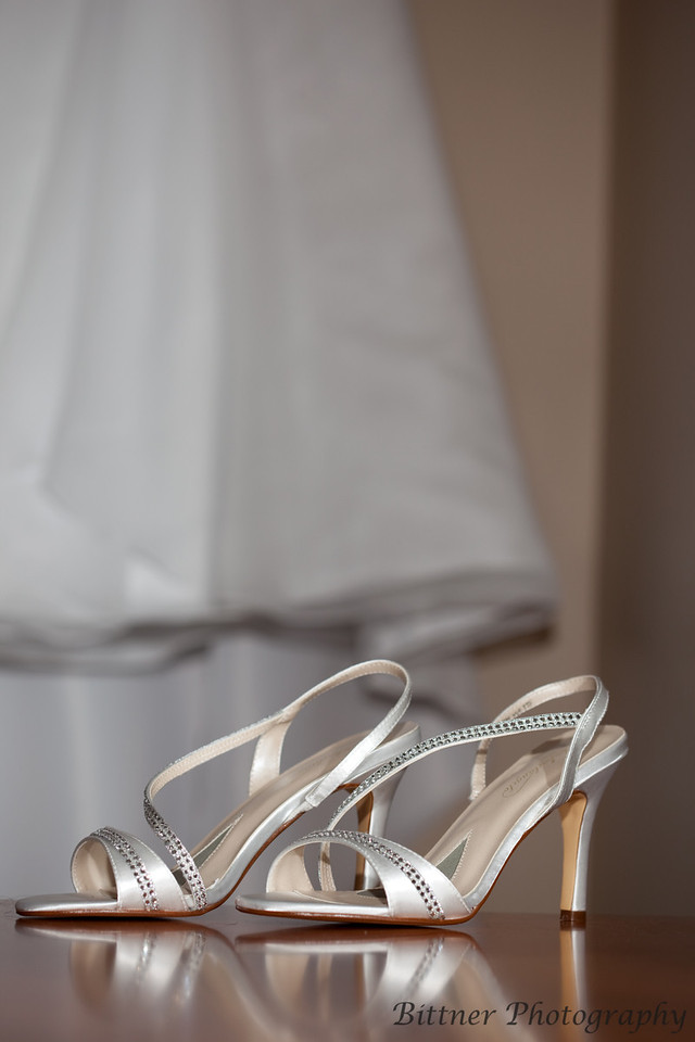<div>  Details...  From table toppers to earrings we record the details of your special day.