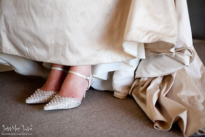 wedding_photography_wedding_shoes_©jjweddingphotography_com