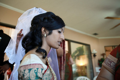 Divya&Erik_GettingReady-9