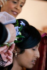 Divya&Erik_GettingReady-20