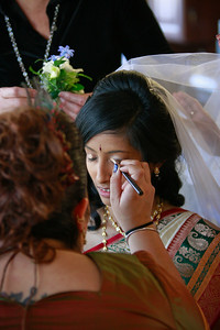 Divya&Erik_GettingReady-8