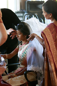 Divya&Erik_GettingReady-42