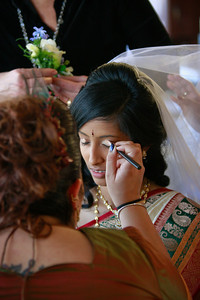 Divya&Erik_GettingReady-7