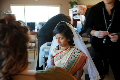 Divya&Erik_GettingReady-4
