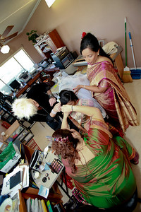 Divya&Erik_GettingReady-34