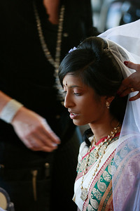 Divya&Erik_GettingReady-38