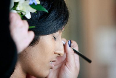 Divya&Erik_GettingReady-16