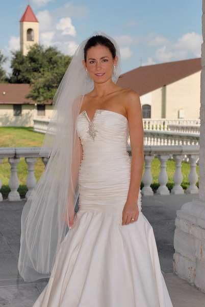 D:\Weddings\Dominique\Dominique Bridal\DominiqueBrdl Proof\DominiqueBrdl_001