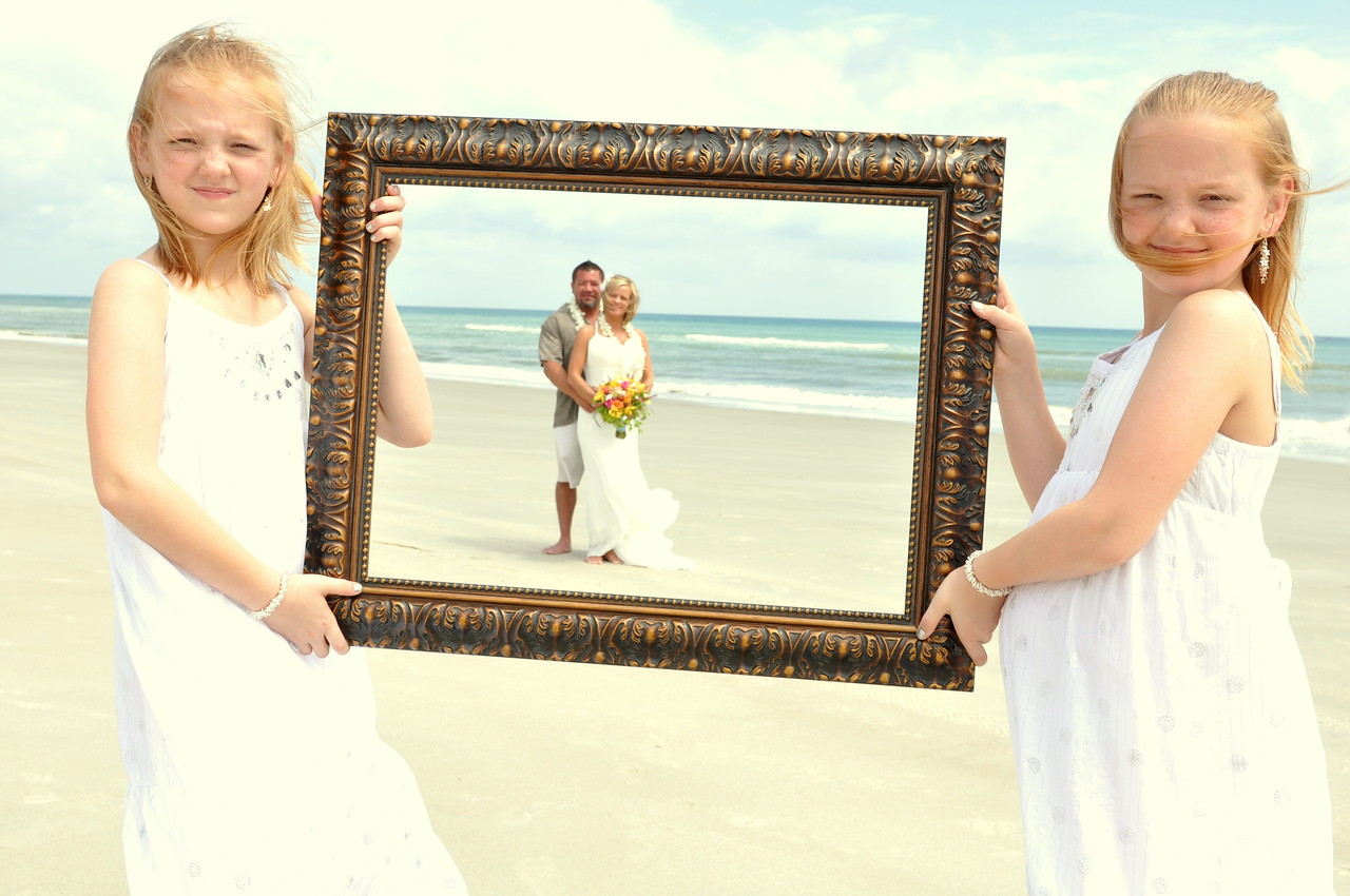 Bryce Lafoon photographs a Wedding in Emerald Isle, North Carolina.