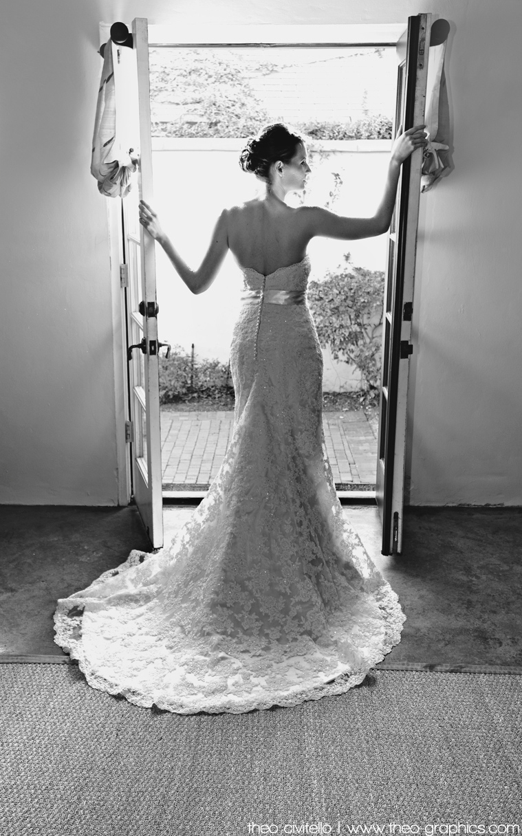 IMAGE: http://civitello.smugmug.com/Weddings/Eric/i-Rgccf6T/0/XL/Bride-Opening-Doors-XL.jpg