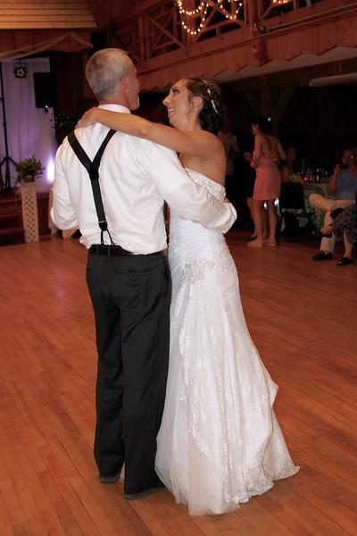 Bridal Dancing & Cake - 041