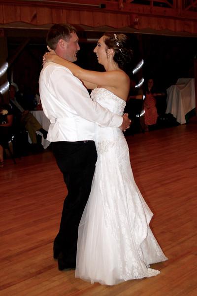 Bridal Dancing & Cake - 027