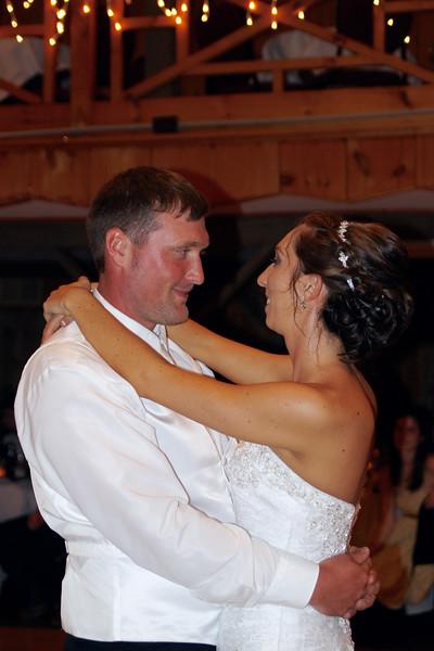 Bridal Dancing & Cake - 034