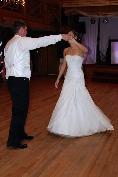Bridal Dancing & Cake - 023
