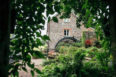 Erica-James-003-millbrook-estate-devon-wedding-photographer-rebecca-roundhill