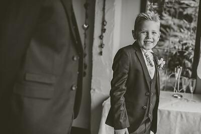 Erica-James-022-millbrook-estate-devon-wedding-photographer-rebecca-roundhill