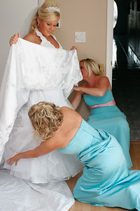 getting ready bride-27