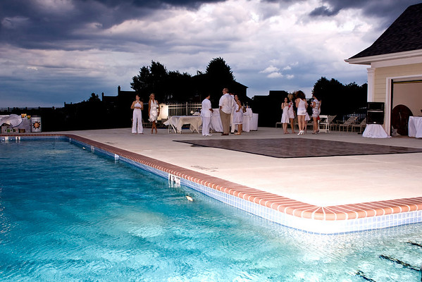 Prive - Party By The Pool