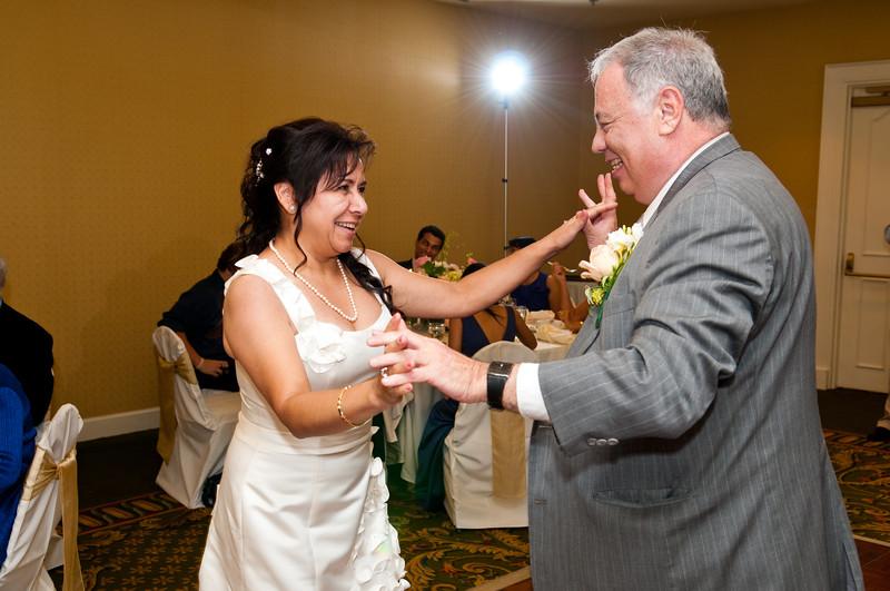 Gicelle & Robert Wedding-607-1