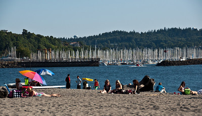 beach-people-boats