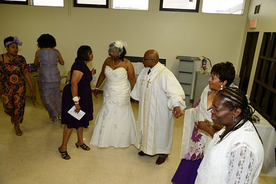 Gross Wedding (44)