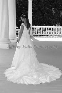Hannah Kennedy pre wedding 048b&w