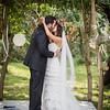 kiss under flowers - wedding ceremony at Hochzeitslocation Schmetterlingsgarten