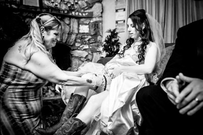 2096_d800a_Paige_and_Dwayne_Foresthill_Lodge_Wedding_Photography