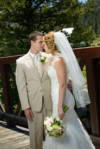 0264_d800_Kaelin_and_Jayson_Riva_Grill_and_South_Lake_Tahoe_Golf_Course_Wedding_Photography