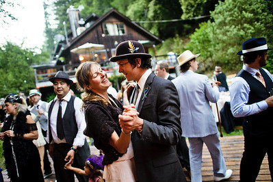 4436-d700_Erin_and_Justin_Laurel_Mill_Lodge_Los_Gatos_Wedding_Photography